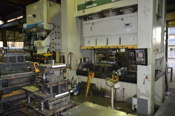 (有)半田金型製作所 工場内3